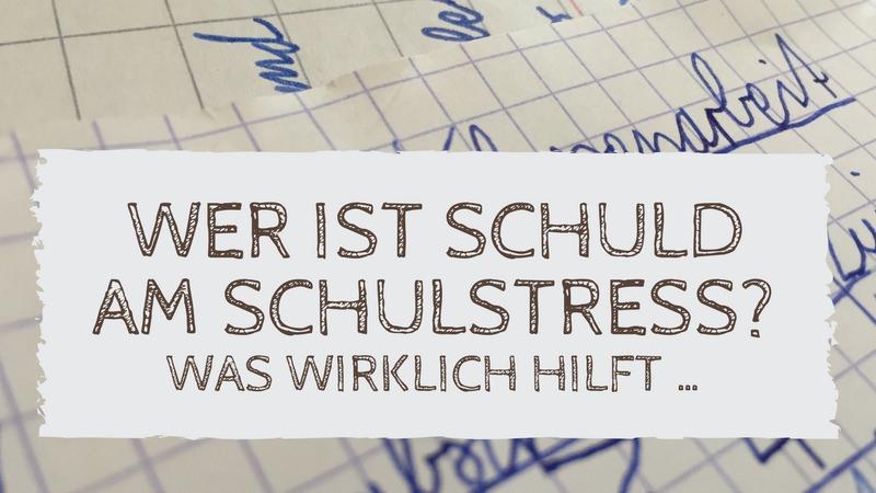 Foto einer Klassenarbeit. Text: Wer ist schuld am Schulstress? Was wirklich hilft …
