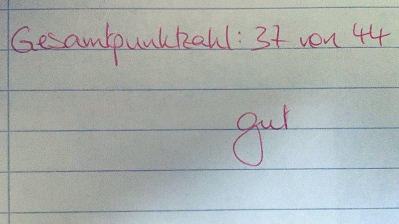 Foto der Note 2 unter einer Klassenarbeit.