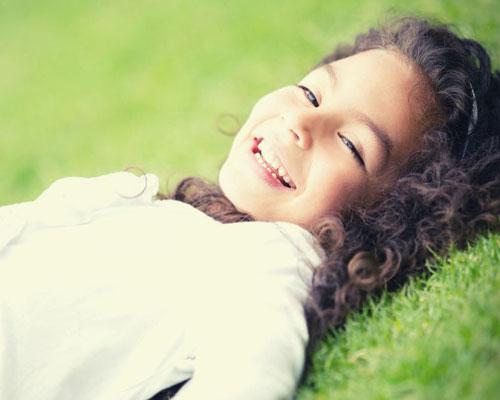 Lachendes Kind |Seminar Kinderzentrierte Kommunikation