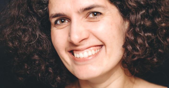 Einschulung, Schulwechsel und Wackelzahnpubertät | Kiran Deuretzbacher